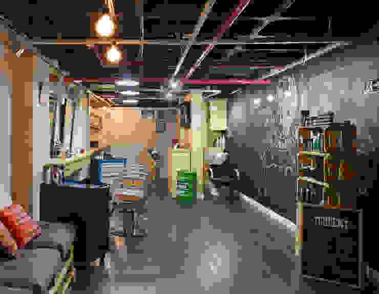 Barbearia Torrent Espaços comerciais industriais por Daniel Carvalho Arquiteto Industrial
