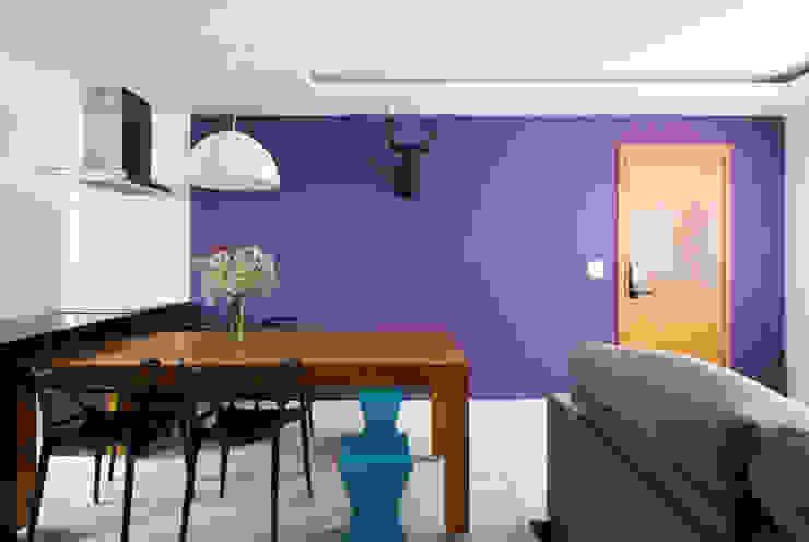 Skandinavische Wohnzimmer von Daniel Carvalho Arquiteto Skandinavisch