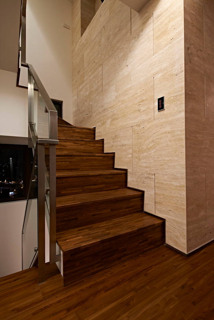 stairs Modern corridor, hallway & stairs by CCL Architects & Planners林祺錦建築師事務所 Modern