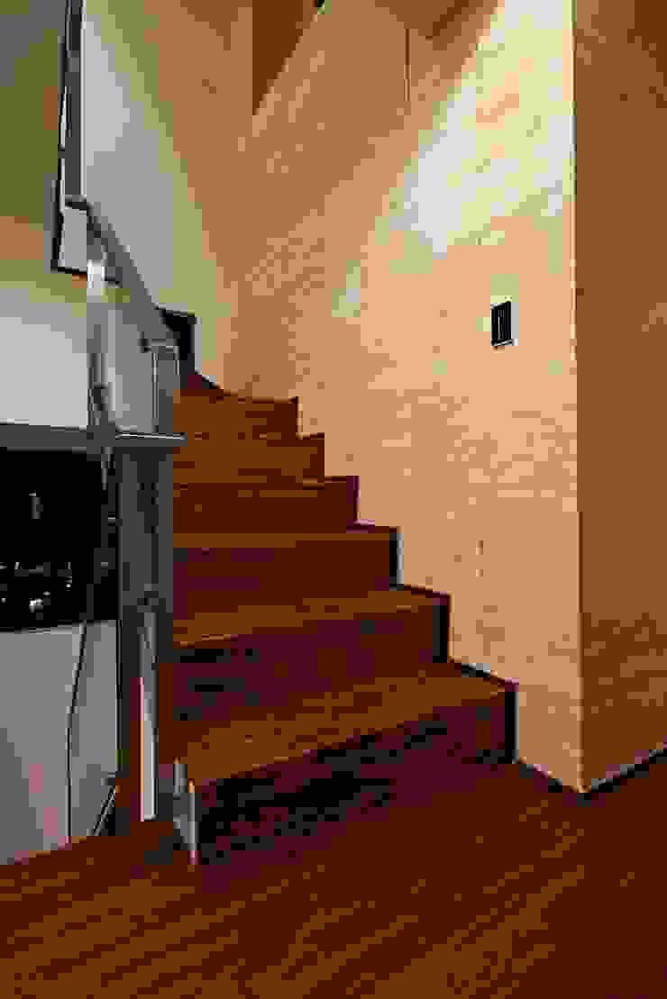 stairs 現代風玄關、走廊與階梯 根據 CCL Architects & Planners林祺錦建築師事務所 現代風