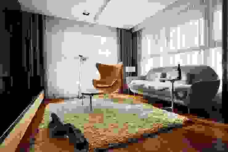 Living room 现代客厅設計點子、靈感 & 圖片 根據 CCL Architects & Planners林祺錦建築師事務所 現代風