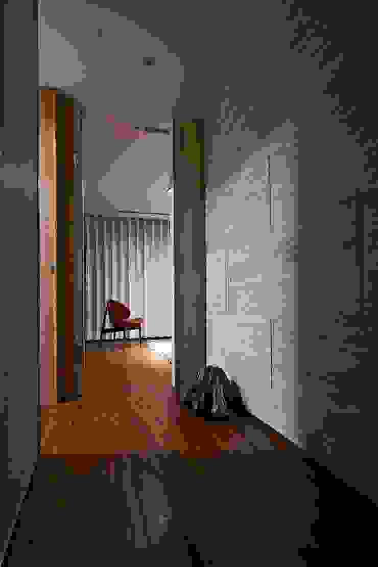 corridor 現代風玄關、走廊與階梯 根據 CCL Architects & Planners林祺錦建築師事務所 現代風