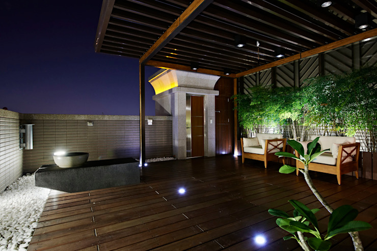 Terrace Modern balcony, veranda & terrace by CCL Architects & Planners林祺錦建築師事務所 Modern