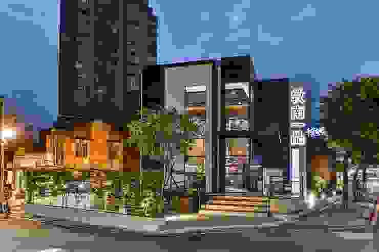 微動窗景 現代房屋設計點子、靈感 & 圖片 根據 Luova 創研俬.集 現代風