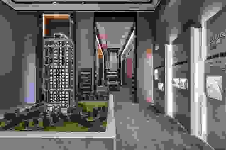 微動窗景 現代風玄關、走廊與階梯 根據 Luova 創研俬.集 現代風