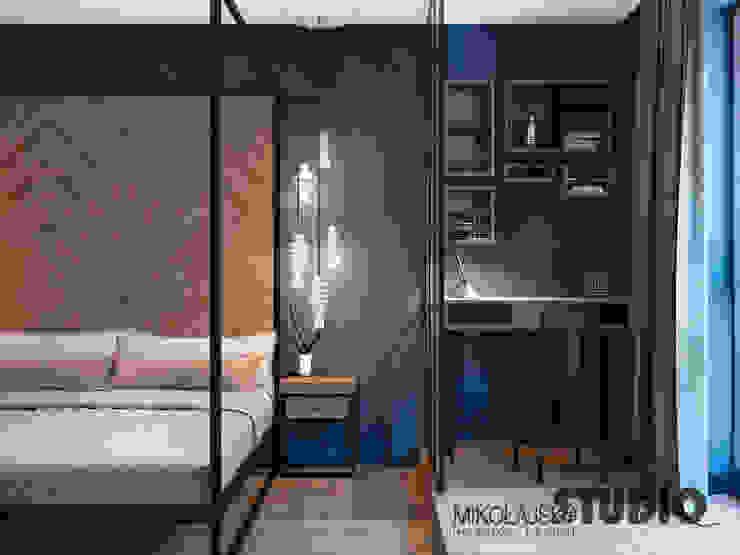 Phòng ngủ phong cách công nghiệp bởi MIKOŁAJSKAstudio Công nghiệp