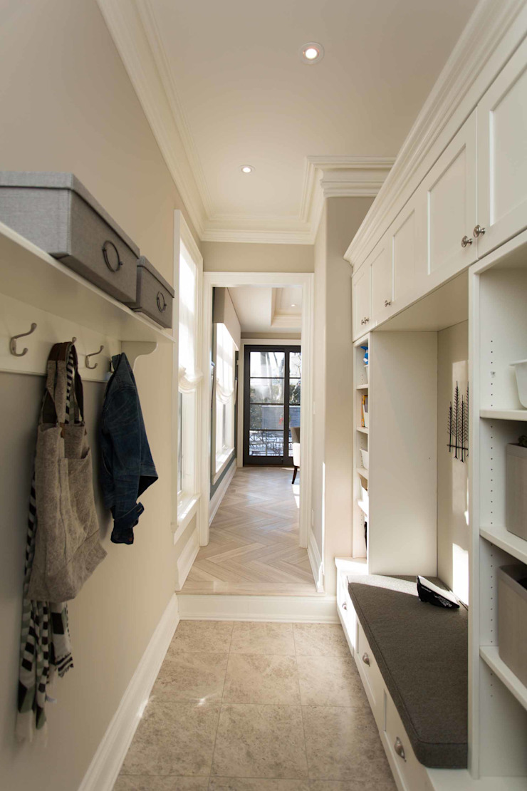 Mudroom Classic style corridor, hallway and stairs by Frahm Interiors Classic