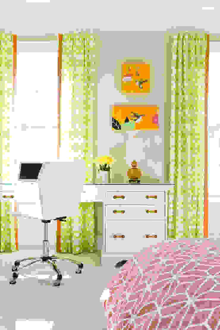 Next Generation - Tween's Room Desk Eclectic style bedroom by Lorna Gross Interior Design Eclectic