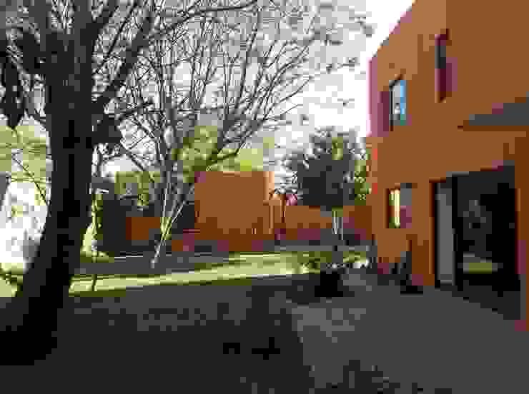 Jardín posterior Casas eclécticas de Alberto M. Saavedra Ecléctico