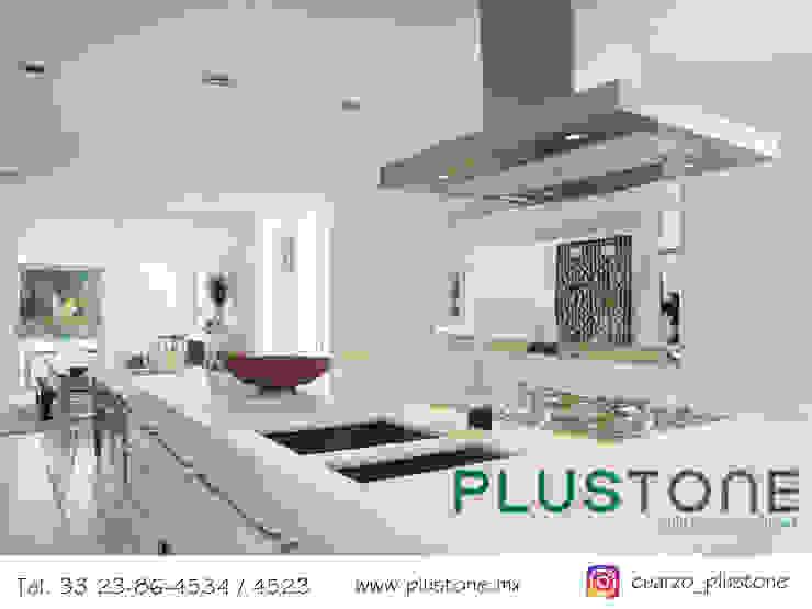 Cubierta Cuarzo Snow White Cocinas modernas de PLUSTONE Moderno Cuarzo