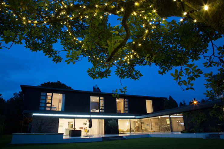 Millbrook House Modern garden by Smarta Modern
