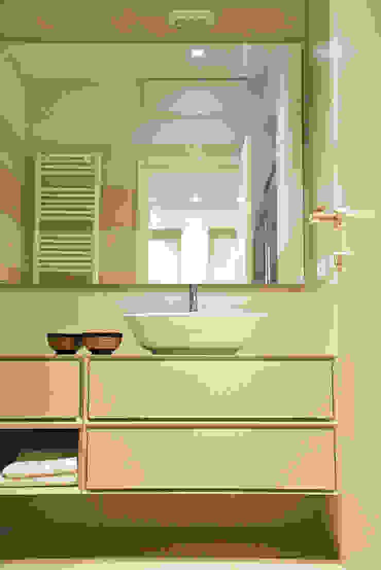 Caterina Raddi Minimalist style bathroom