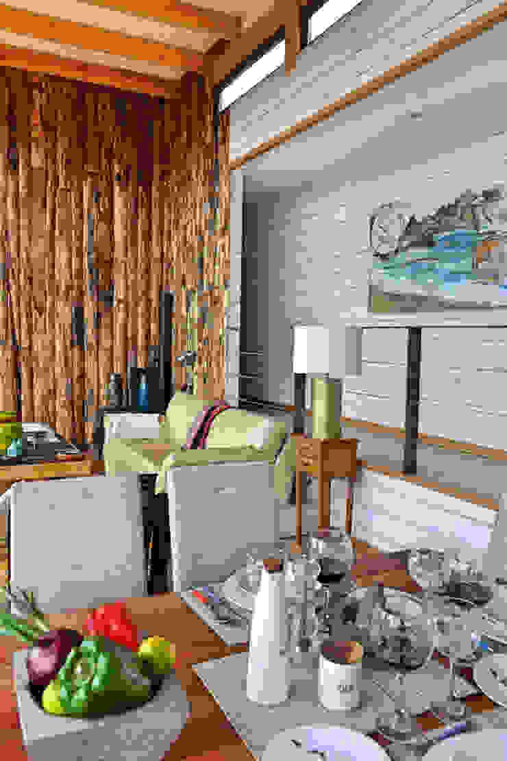 Casa Vichuquén Livings de estilo moderno de AtelierStudio Moderno