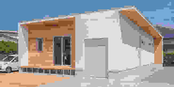 KAWAZOE-ARCHITECTS Garages & sheds