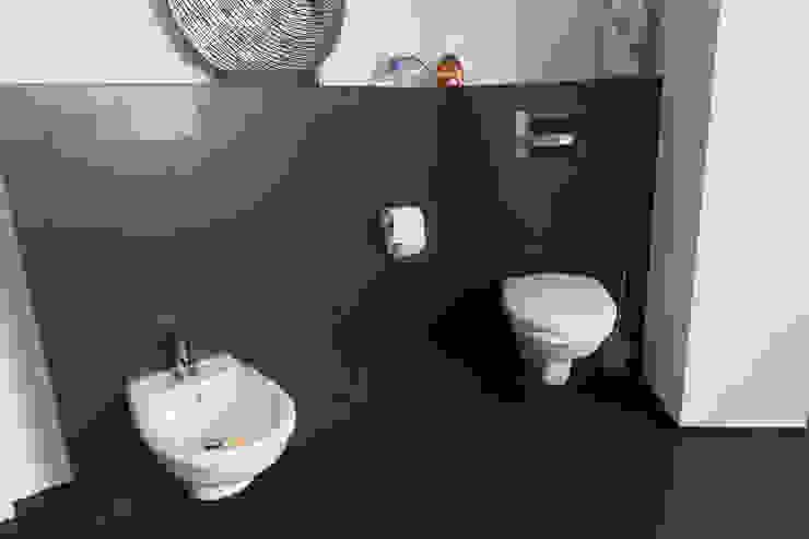 Banheiros modernos por BOOR Bäder, Fliesen, Sanitär Moderno Azulejo
