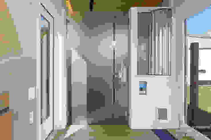 Corredores, halls e escadas modernos por Chibi Moku Moderno Derivados de madeira Transparente