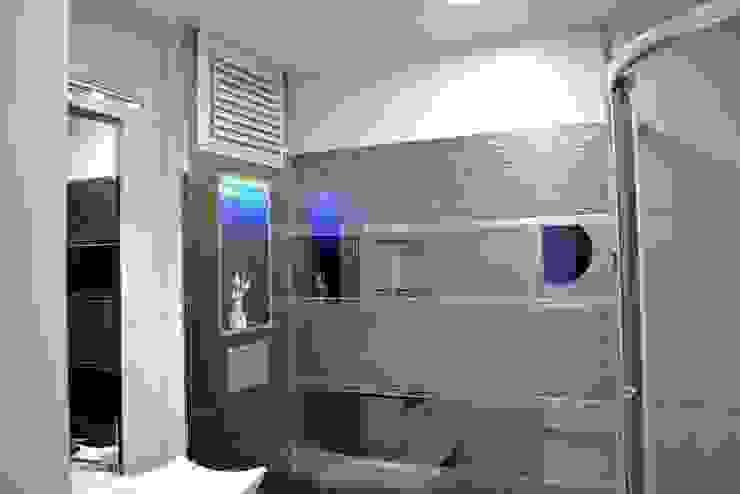 Baños de estilo moderno de Damla Yapı Teknik Moderno