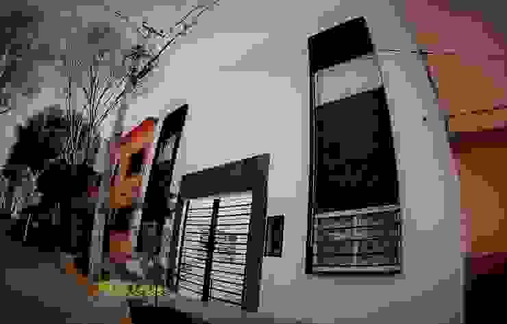現代房屋設計點子、靈感 & 圖片 根據 H+R ARQUITECTOS 現代風 水泥