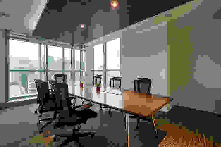 會議室 Modern style study/office by CCL Architects & Planners林祺錦建築師事務所 Modern