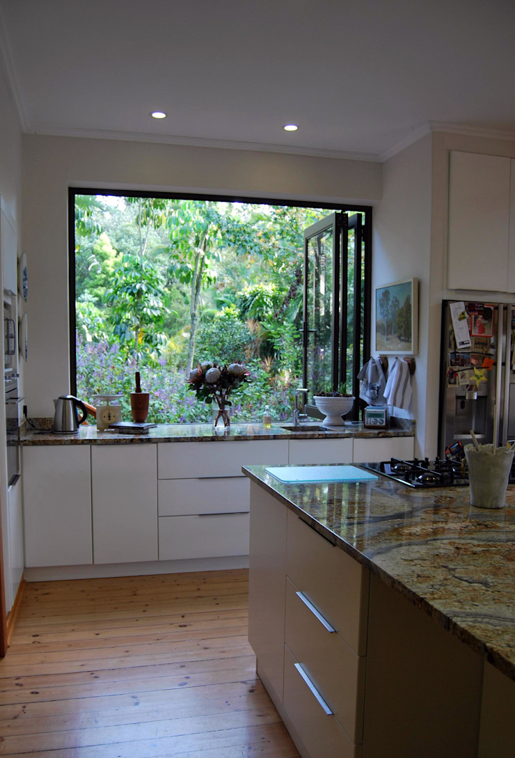Project : Burchmore Modern kitchen by Capital Kitchens cc Modern MDF