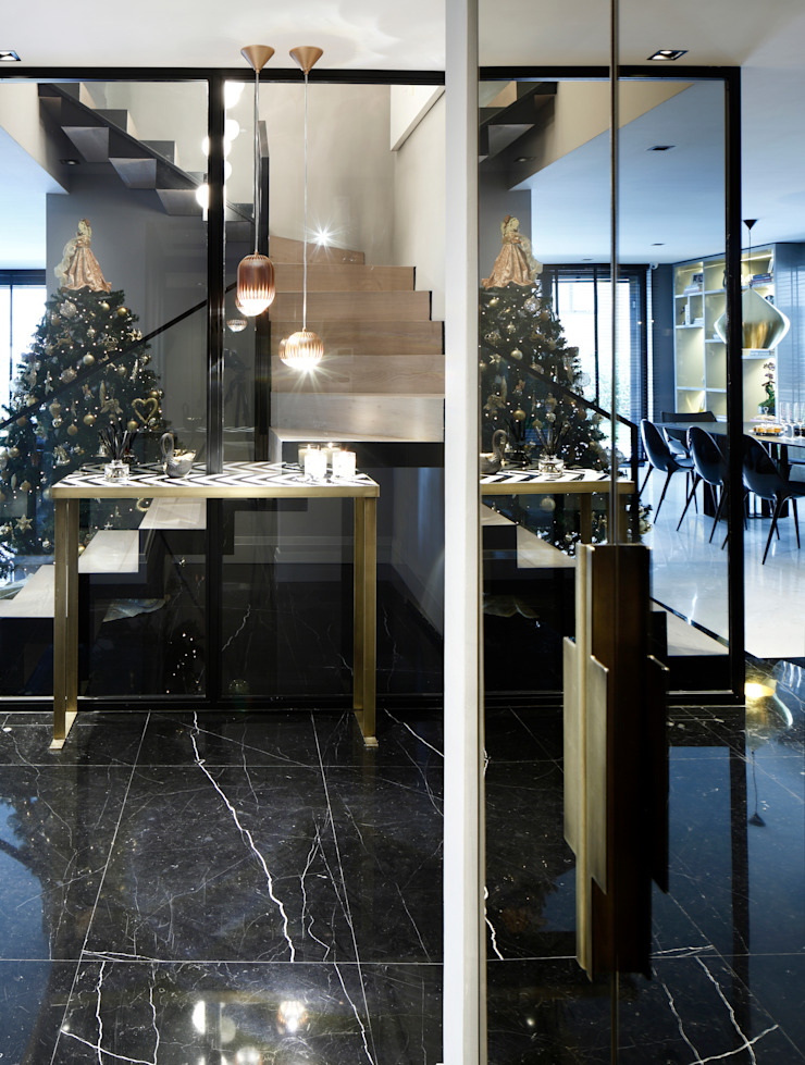 entrance Modern corridor, hallway & stairs by Esra Kazmirci Mimarlik Modern