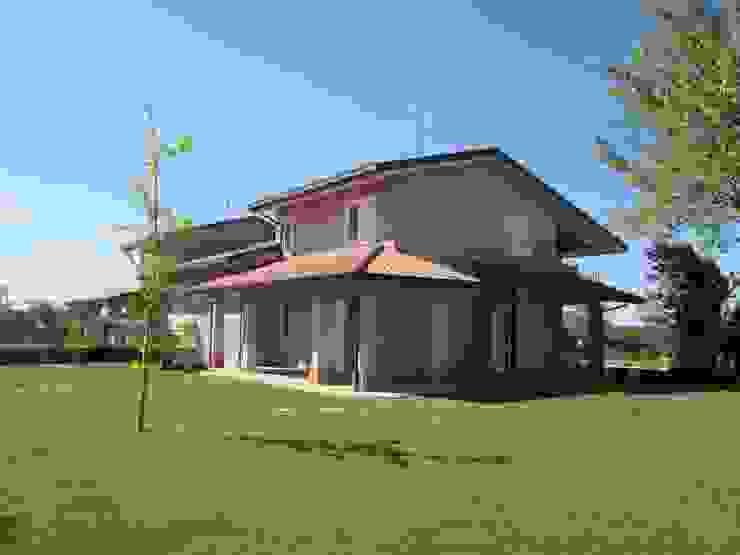 Classic style houses by duedì - studio di progettazione Classic Concrete