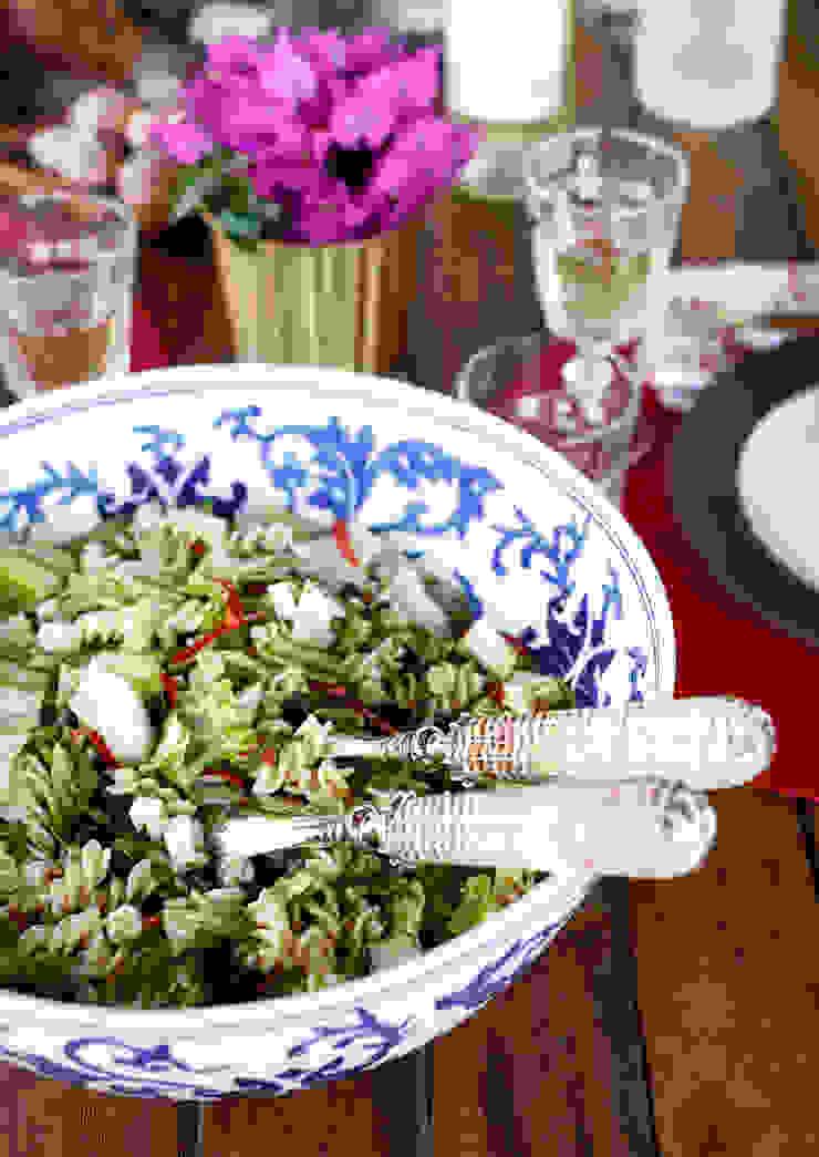 EK SUMMER HOUSE Mediterranean style dining room by Esra Kazmirci Mimarlik Mediterranean