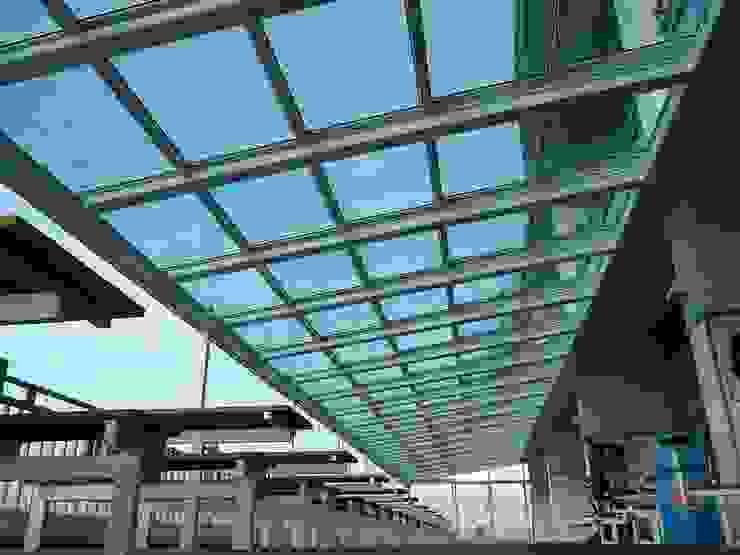 Centres commerciaux modernes par AIRCLOS Moderne