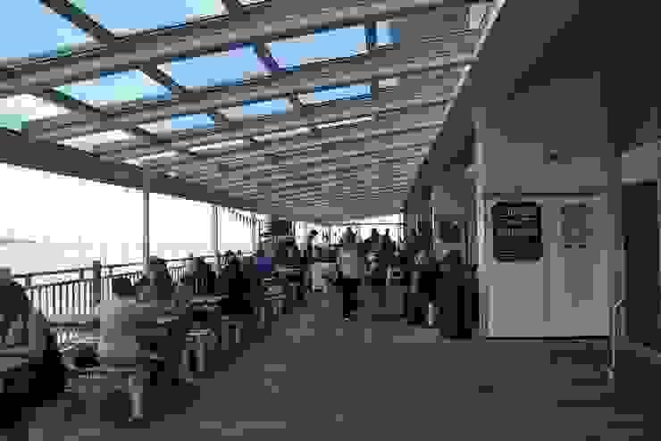 Centre d'expositions modernes par AIRCLOS Moderne