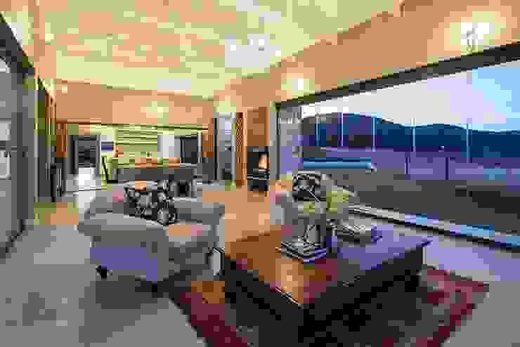 Cortinas de vidrio para lujosa villa – Zimbali, South Africa Casas modernas: Ideas, imágenes y decoración de AIRCLOS Moderno