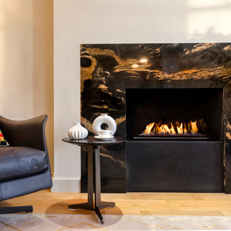 Marble fireplace Studio 29 Architects ltd SalasChimeneas y accesorios Mármol Negro