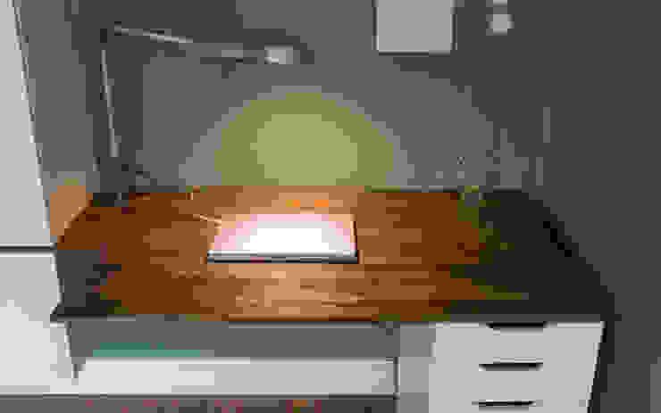 Minioffice studio jan homann Moderne Wohnzimmer