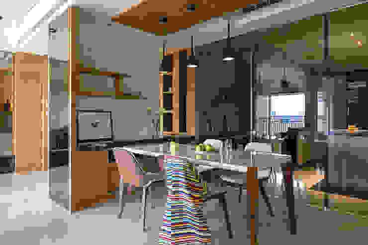 賀澤室內設計 HOZO_interior_design Modern Dining Room by 賀澤室內設計 HOZO_interior_design Modern