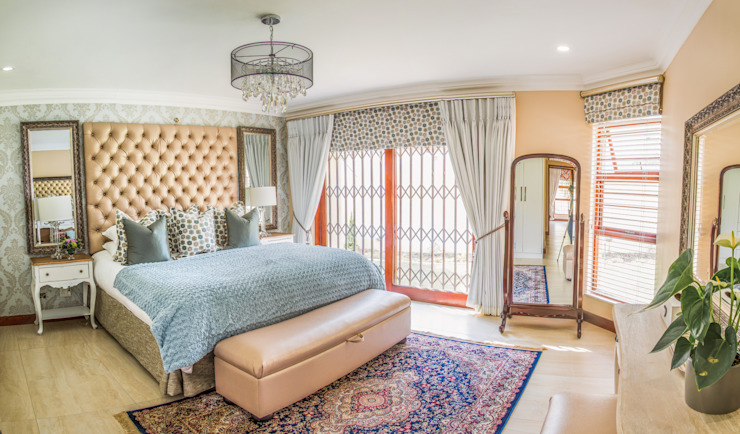 Bedroom. Classic style bedroom by Carne Interiors Classic