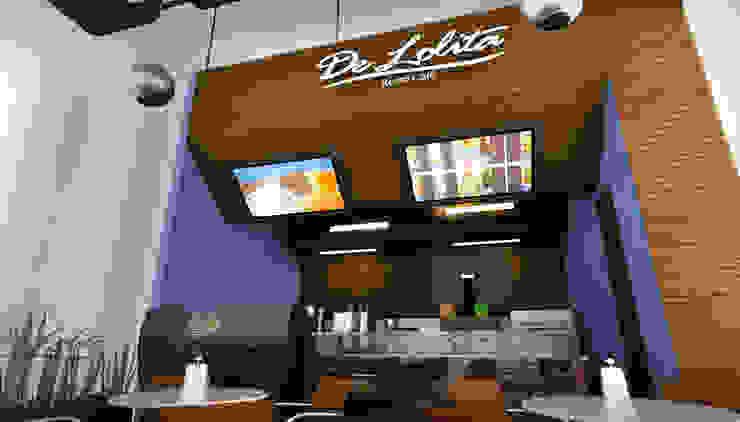 DeLolita City Plaza _ Envigado de @tresarquitectos Clásico