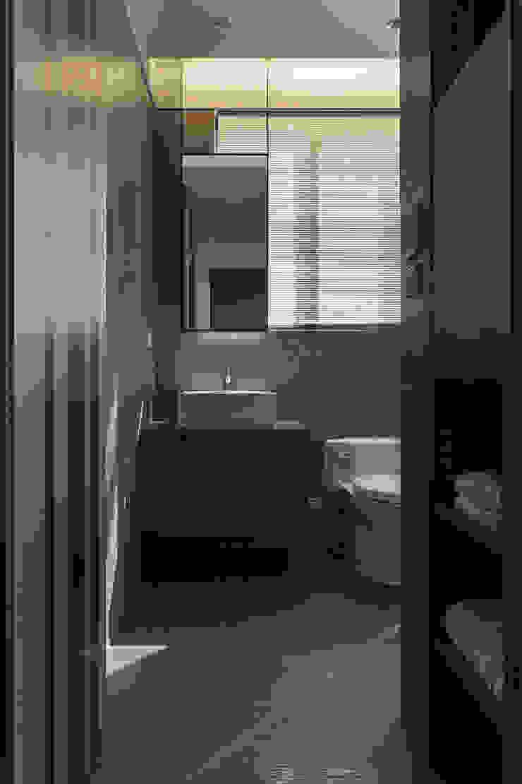 永和徐宅 現代浴室設計點子、靈感&圖片 根據 大觀室內設計工程有限公司 現代風
