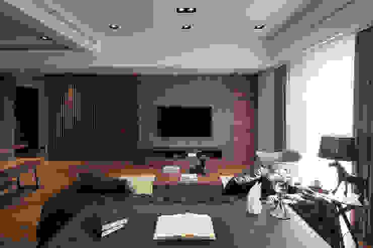 Salon classique par 星葉室內裝修有限公司 Classique