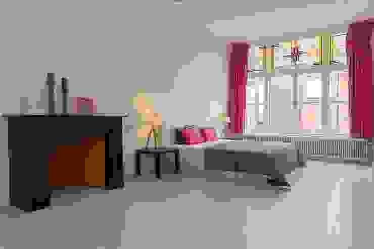 Chambre originale par casa&co. Éclectique Bois Effet bois