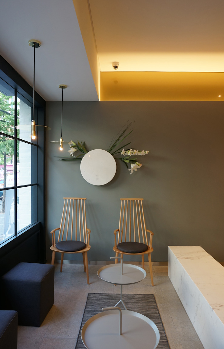 Modern Living Room by 블랭크건축사사무소 Modern