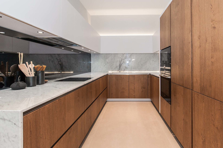 Newly Completed Installation - Exceptional Design :  Kitchen by PTC Kitchens ,