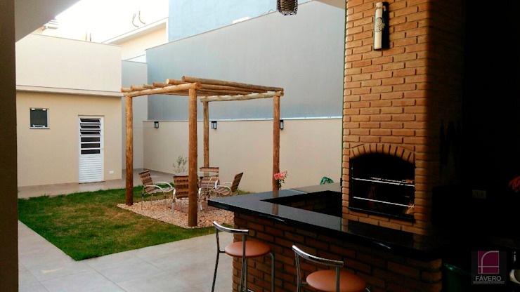 Jardines modernos: Ideas, imágenes y decoración de Fávero Arquitetura + Interiores Moderno