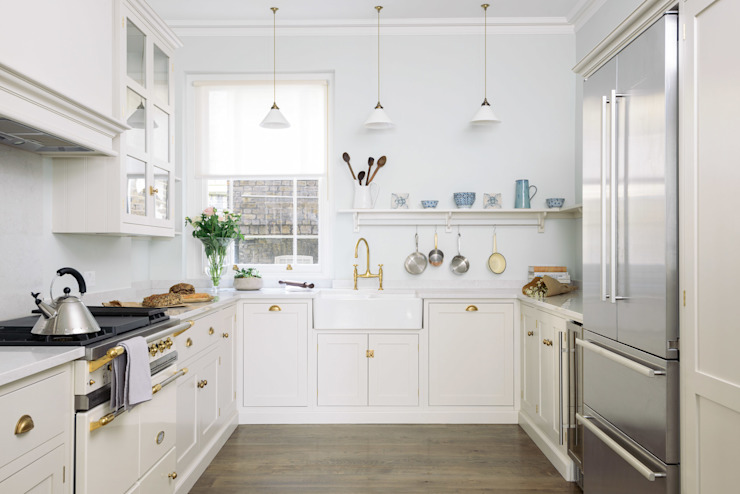 The SW1 Kitchen by deVOL Dapur Klasik Oleh deVOL Kitchens Klasik Kayu Wood effect
