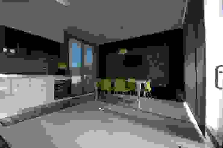 Villa unifamiliare con piscina a Foligno (PG) Cucina moderna di Fabricamus - Architettura e Ingegneria Moderno