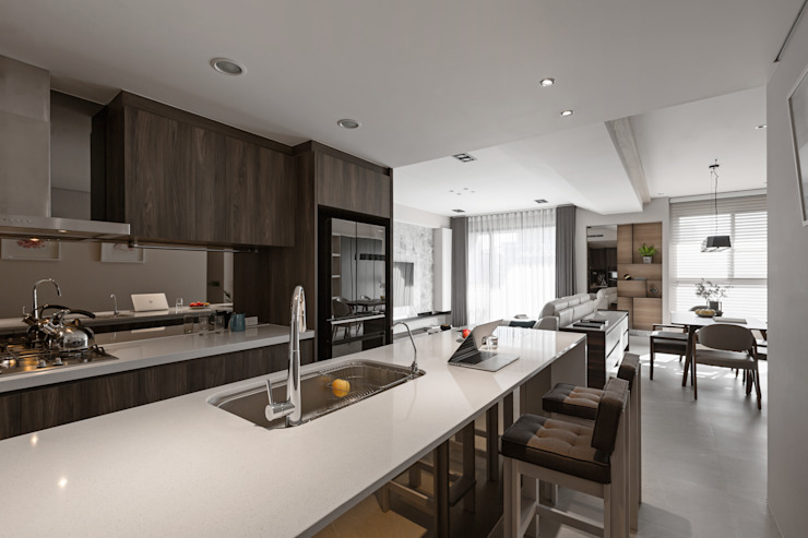 Kitchen by 賀澤室內設計 HOZO_interior_design