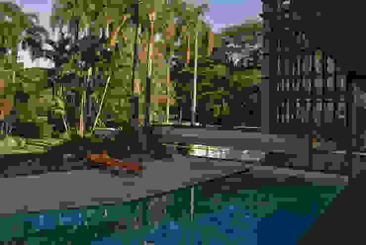 Maracaibo Modern Pool by ARQdonini Arquitetos Associados Modern