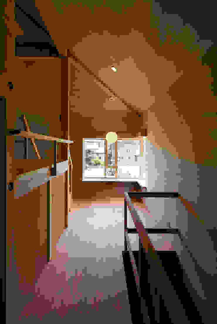 川越の住居/House in Kawagoe オリジナルスタイルの 玄関&廊下&階段 の 平山教博空間設計事務所 オリジナル