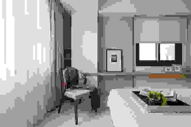 Modern Bedroom by 共禾築研設計有限公司 Modern