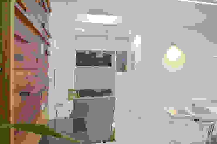 consulting - dental clinic @ prarthna hospital prarthit shah architects Study/office