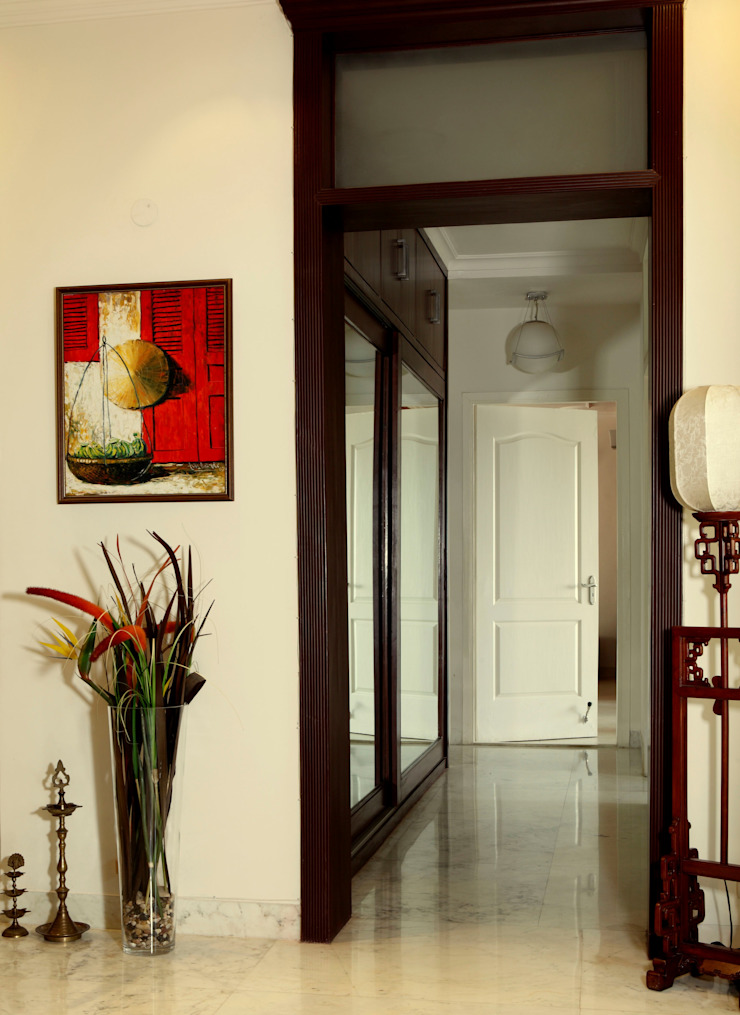 An apartment in Central Park 1, Gurgaon Modern corridor, hallway & stairs by stonehenge designs Modern