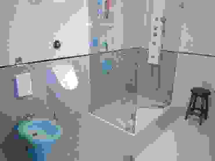 Canoarte, Lda Minimalist style bathrooms